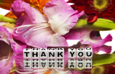 thank you note: Thank you note with pink flowers.