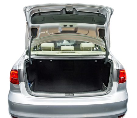espace voiture boot vide et avec l'état ouvert.