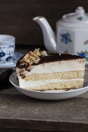 Kuchen Vogel Milch Mit Schokolade Und Kokosnuss Auf Holzuntergrund