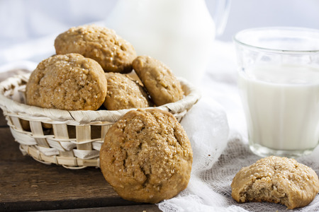 oatmeal cookies  with cinnamon, honey and milk
