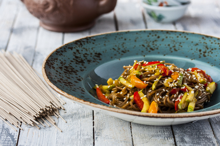 sweet peppers: Soba noodles with zucchini, sweet peppers and tomatoes