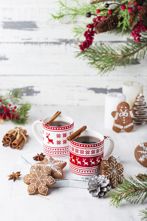 tea with cinnamon and ginger cookies