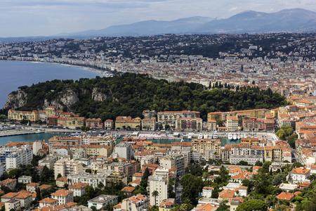 cielo y mar: Puerto de Niza en Francia por la tarde