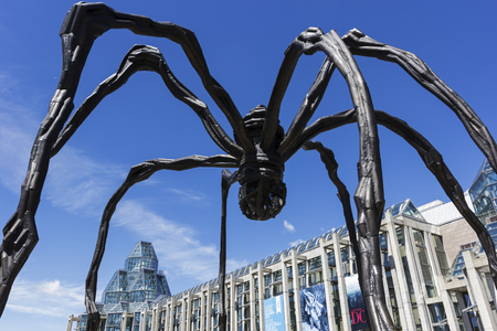 louise: Maman sculpture by the artist Louise Bourgeois in front of National Gallery of Canada in Ottawa Editorial