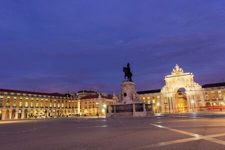 augusta: Commerce Square with Rua Augusta Arch in Lisbon in Portugal in the morning Stock Photo