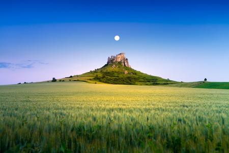 Ruin of Spissky Castle in Slovakia at sunset 版權商用圖片