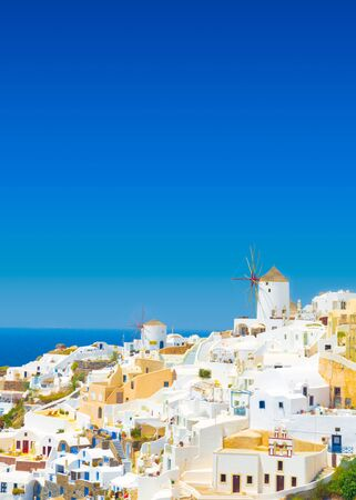 View of Oia the most beautiful village of Santorini island in Greece. Banque d'images - 135293570