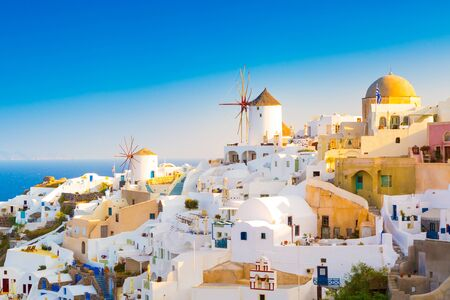 View of Oia the most beautiful village of Santorini island in Greece. Banque d'images - 135293585