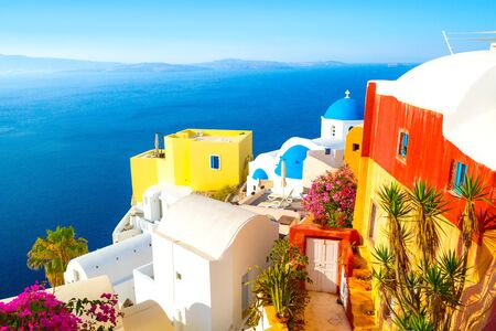 View of Oia the most beautiful village of Santorini island in Greece. Banque d'images - 135293577