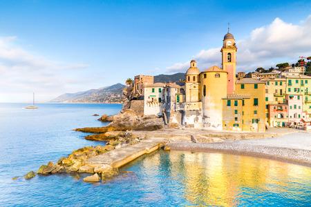 Scenic Mediterranean riviera coast. Panoramic view of Camogli town in Liguria, Italy. Basilica of Santa Maria Assunta and colorful palaces. Italy Archivio Fotografico