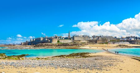 Beautiful view of the city of Privateers - Saint Malo in Brittany, France 版權商用圖片 - 128914926