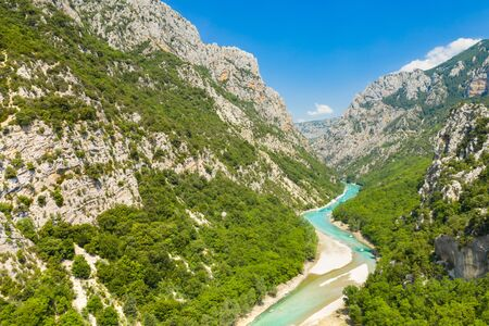 Panoramic view of the Gorges du Verdon, Grand Canyon, left bank. Aiguines, Provence, France. Banque d'images - 131025328
