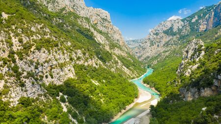 Panoramic view of the Gorges du Verdon, Grand Canyon, left bank. Aiguines, Provence, France. Banque d'images - 132778877