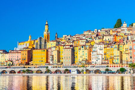 View on old part of Menton, Provence-Alpes-Cote d'Azur 版權商用圖片