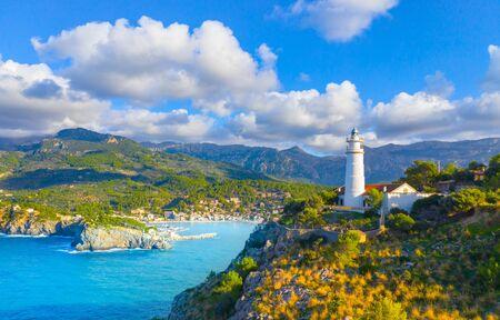 Beautiful harbour of Port de Soller, Majorca, Balearic Islands, Spain Banque d'images - 135091019