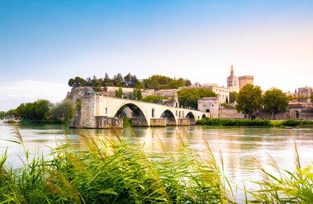 Saint Benezet bridge in Avignon in a beautiful summer day, France 免版税图像
