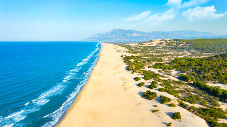 Aereal view of an untouched Patara Beach in Antalya,Turkey 免版税图像