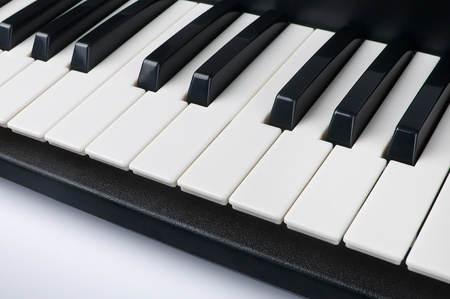 ebony: Synthesiser piano keyboard