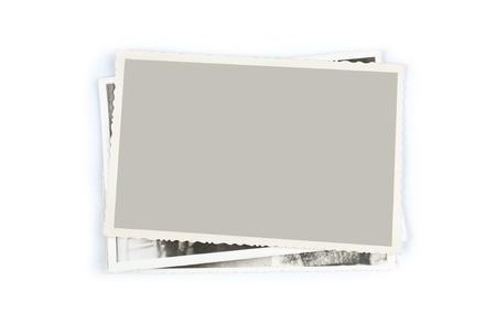apilar: Pila de fotos antiguas en el fondo blanco