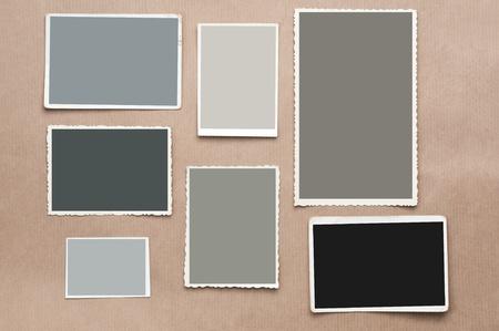 bordure vieille photo: R�glez vieux, image vierge sur fond carton gris