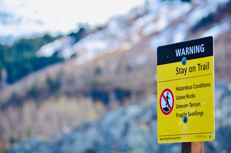 Stay on trail warning sign photo image download