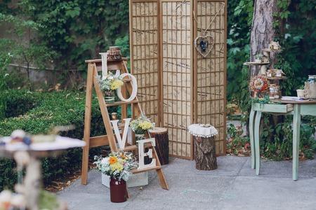authentic wedding wonderful young couple with incredible scenery 版權商用圖片