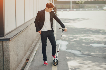 road cycling: Kick scooter man
