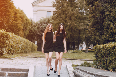 brunete: two beautiful girls