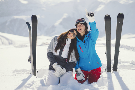 girls with ski