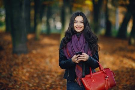 girl with phone Reklamní fotografie