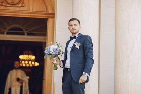 groom at home