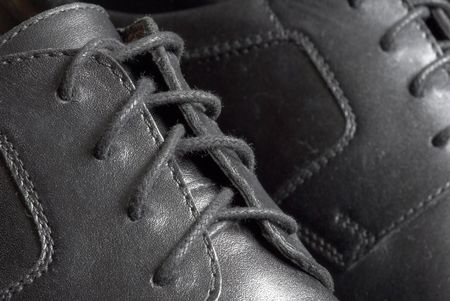 leathern: Black shoes
