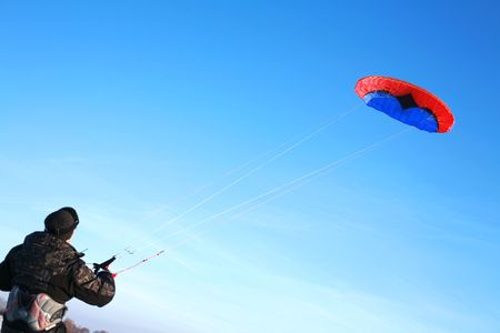 snowkiting: This kite is a de-power foil and can be used for buggying, land-boarding or snowkiting