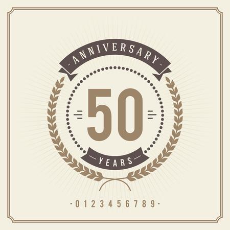 anniversario matrimonio: Dorato dell'annata anniversario messaggio emblema retrò vettore sfondo