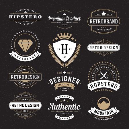Retro Vintage Insignias ya Logolar ayarlayın. Vektör tasarım öğeleri, iş işaretler, logolar, kimlik, etiketler, rozetler ve nesneler.