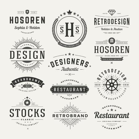 레트로 빈티지 표장 또는 아이콘 유형을 설정합니다. 벡터 디자인 요소, 비즈니스 표지판, 로고, 정체성, 레이블, 배지 및 객체.