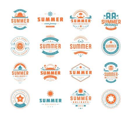 insignias: Verano elementos de dise�o de vacaciones y conjunto de la tipograf�a. Retro y plantillas de la vendimia. Etiquetas, escudos, carteles, camisetas, la ropa. Conjunto de vectores. Vacaciones en la playa, fiesta, viaje, para�so tropical, aventura.