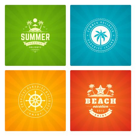 ropa de verano: Vacaciones de verano etiquetas y elementos de diseño conjunto de la tipografía. Retro y plantillas de la vendimia. Insignias, pósters emblemas, ropa. Conjunto de vectores. Vacaciones en la playa, fiesta, los viajes, la aventura paraíso tropical.