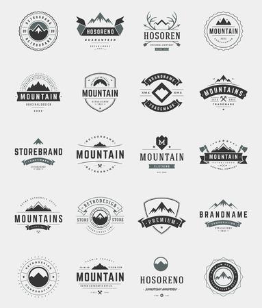 montagna: Set Montagne, distintivi e stile vintage etichette. Elementi di design retrò illustrazione vettoriale.