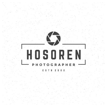 logos de empresas: El fotógrafo Elemento de diseño de estilo vintage para el logotipo, marca, insignia y otro diseño. cámara de fotos Retro ilustración vectorial.