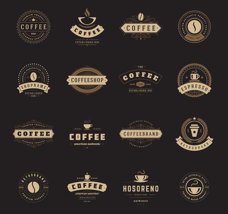 コーヒー ショップのロゴ、バッジ、ラベル デザインの要素を設定します。カップ、豆、カフェ ビンテージ スタイル オブジェクト レトロなベクタ