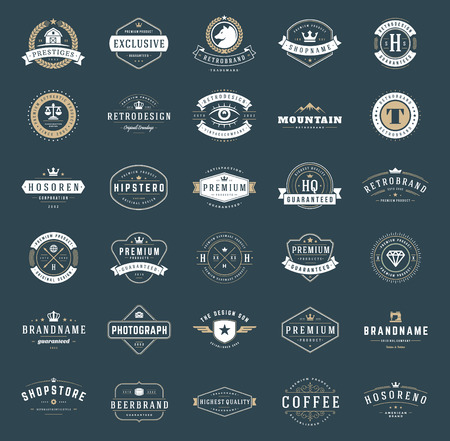 Rétro logotypes ou insignes réglé. Vector design elements, enseignes commerciales, logos, identité, étiquettes, écussons, des rubans, des autocollants et autres objets d'image de marque.