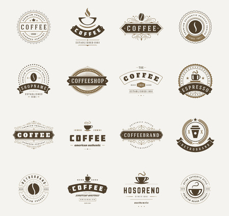 insignias: Cafetería Logos, insignias y etiquetas de elementos de diseño. Copa, frijol, estilo de café de la vendimia objetos retro ilustración vectorial.