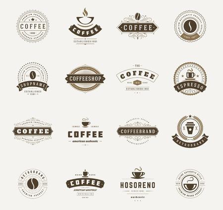 coffee beans: Coffee Shop Logos, Phù hiệu và Nhãn yếu tố thiết kế bộ. Cup, đậu, quán cà phê theo phong cách cổ điển đối tượng minh họa vector retro. Hình minh hoạ