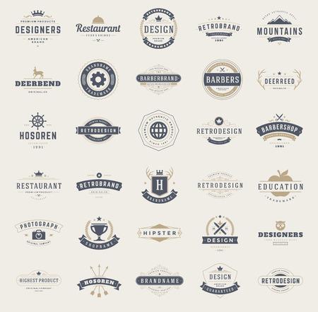 escudo: Vintage plantillas de diseño establecidas. Vectores