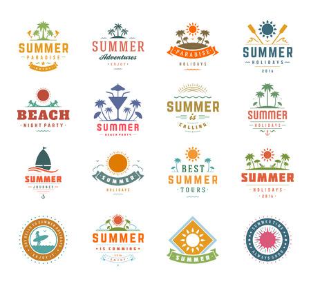 Vacaciones de verano elementos de diseño y tipografía SET. Las etiquetas retro y vintage plantillas o Placas Bueno para pósters partido de la playa, tarjetas de felicitación. Ilustraciones vectoriales y objetos. Paraíso tropical.