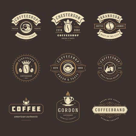 Modèles de conception de logos de café mis en illustration vectorielle. Bon pour la signalisation de la cafétéria, les étiquettes et les badges de café. Emblèmes de typographie rétro.