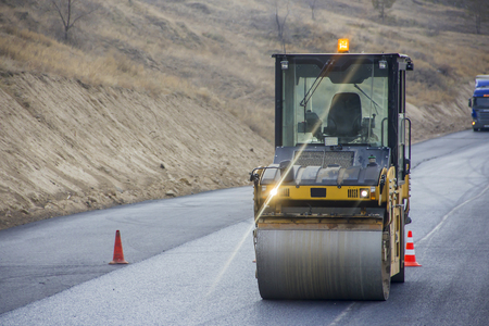 vibroroller: road repairing with heavy vibration roller compactor