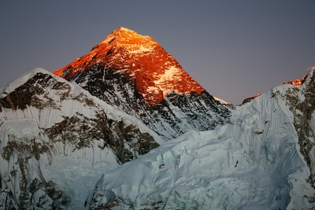 evening view of everest from kala patthar