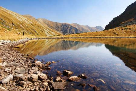jesienny widok Jamnickiej pleso jezioro z Roháče górach - zachód Tatry Wysokie, Słowacja - Europa Zdjęcie Seryjne - 12741382